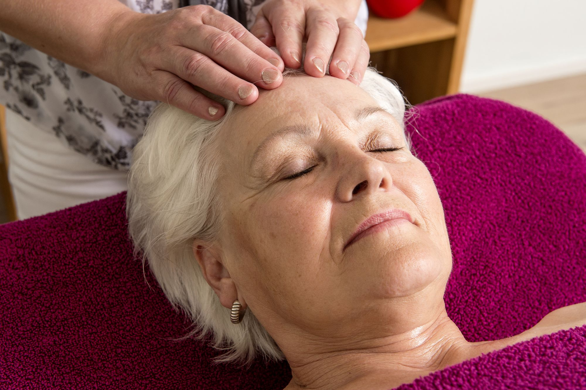 Gesichtsbehandlung Kopfmassage